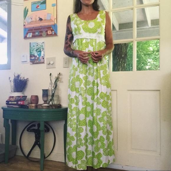 Vintage Dresses & Skirts - Vintage 70s Floral Dress 🌿